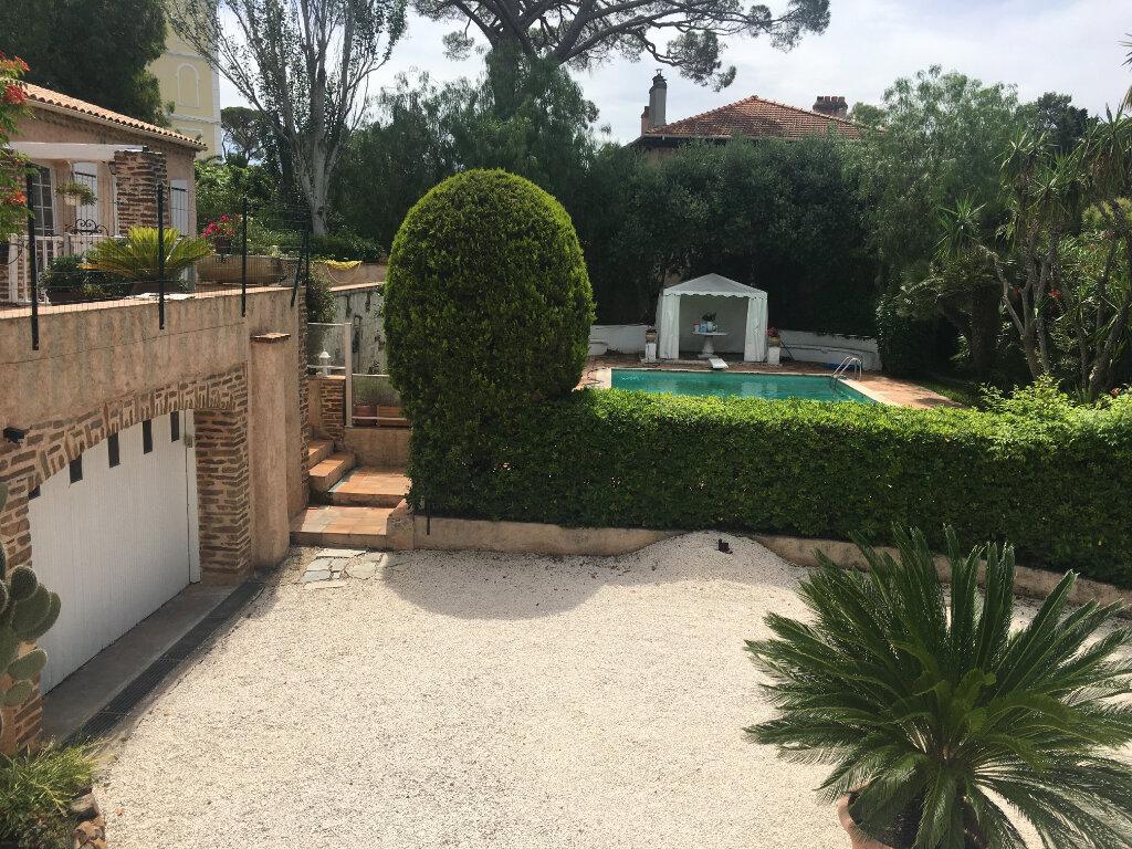 Maison à vendre 5 150m2 à Saint-Raphaël vignette-6