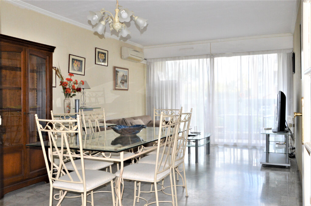 Appartement à vendre 3 79.5m2 à Fréjus vignette-1