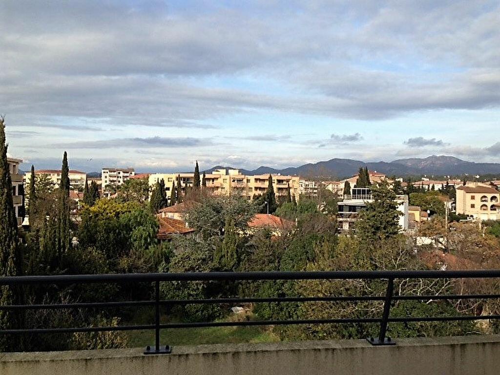 Appartement à vendre 3 72.41m2 à Saint-Raphaël vignette-2
