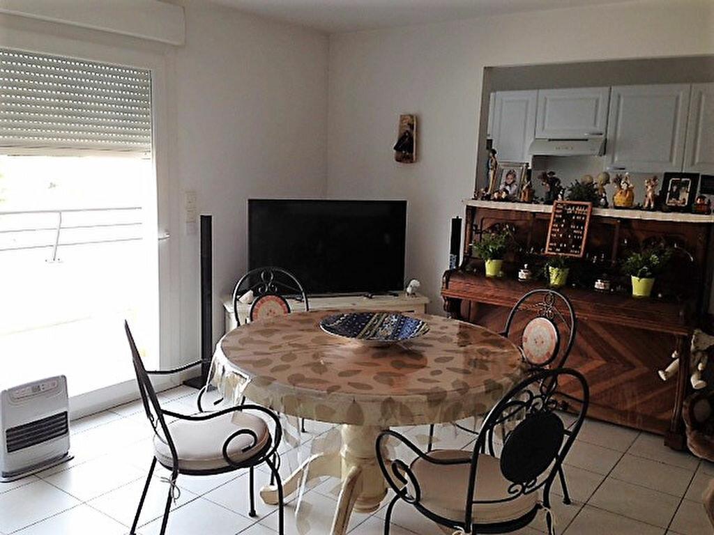 Appartement à vendre 3 72.41m2 à Saint-Raphaël vignette-4