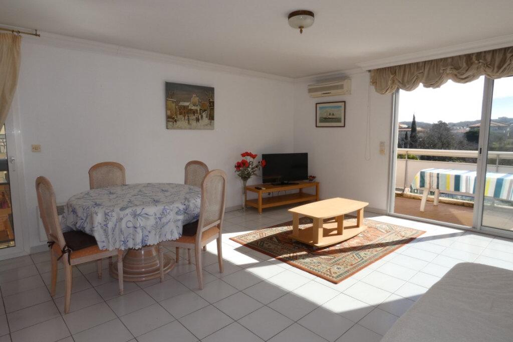 Appartement à vendre 3 72.44m2 à Fréjus vignette-8