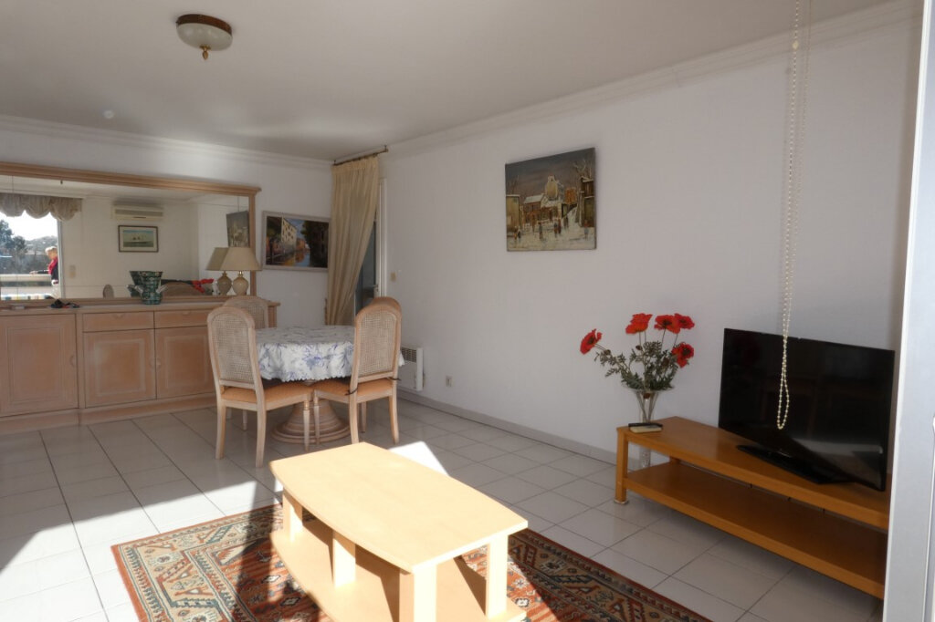 Appartement à vendre 3 72.44m2 à Fréjus vignette-9