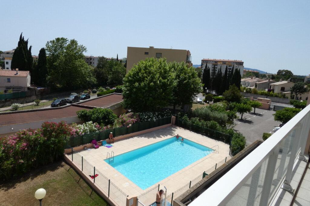 Appartement à vendre 4 76.5m2 à Fréjus vignette-1