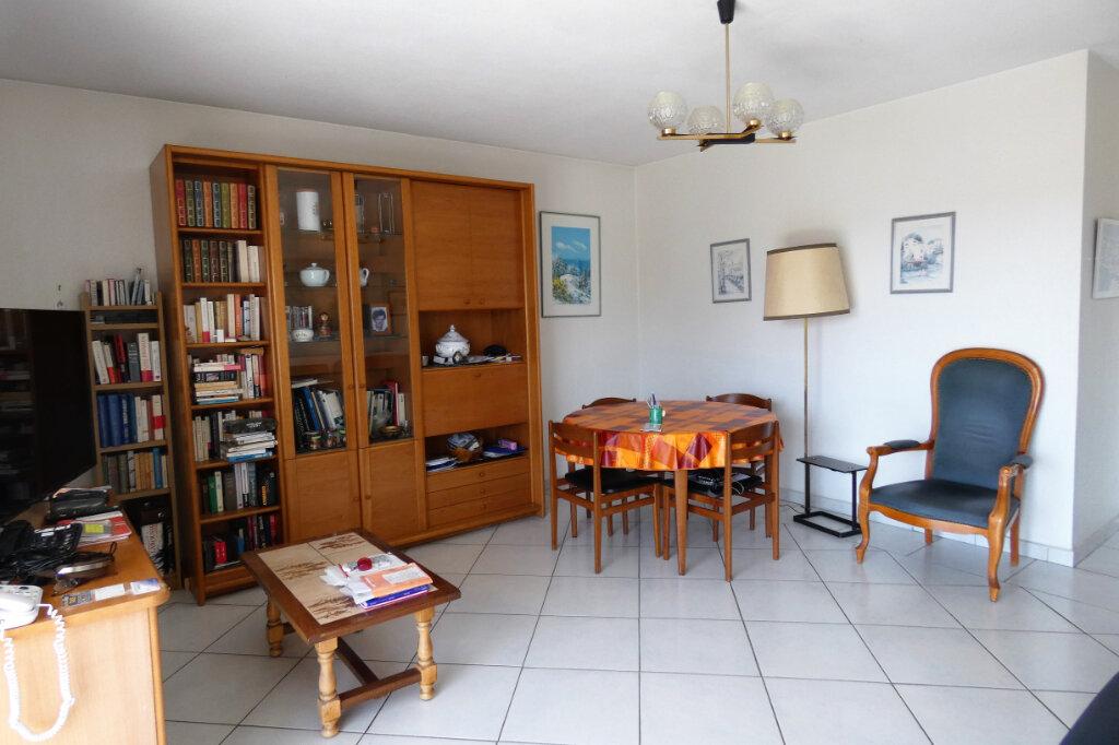 Appartement à vendre 4 76.5m2 à Fréjus vignette-4
