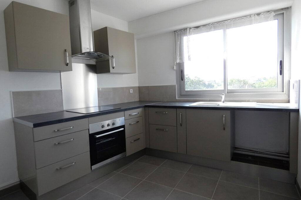 Appartement à vendre 4 90m2 à Fréjus vignette-2