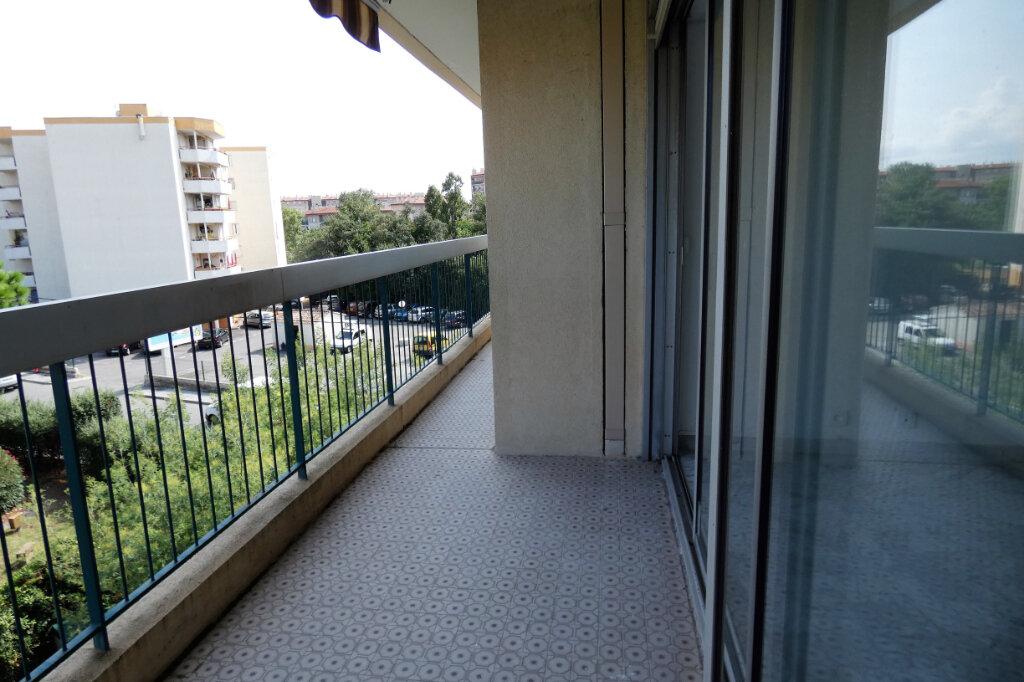 Appartement à vendre 4 90m2 à Fréjus vignette-4