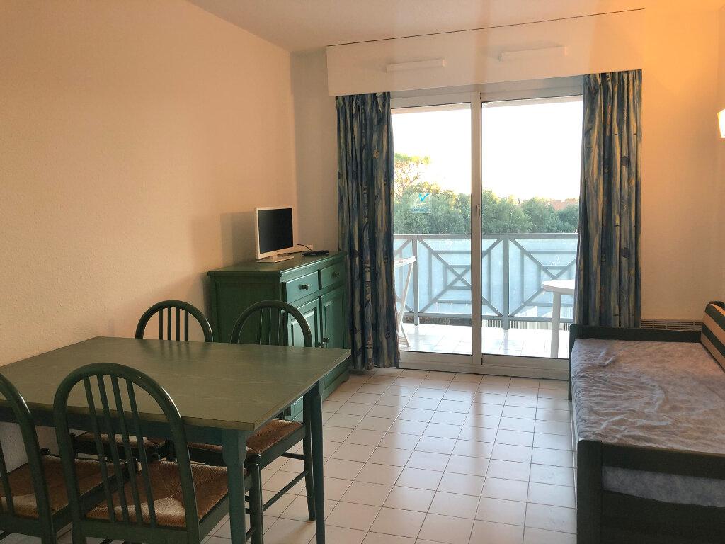 Appartement à vendre 2 25m2 à Saint-Raphaël vignette-4