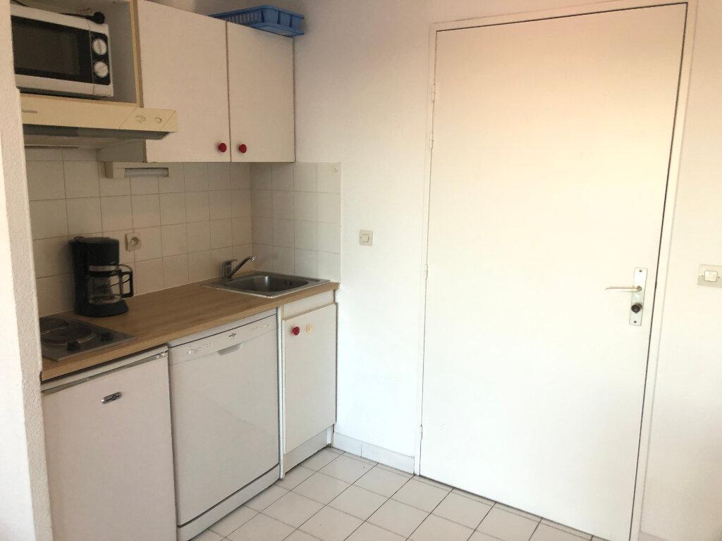 Appartement à vendre 2 25m2 à Saint-Raphaël vignette-5