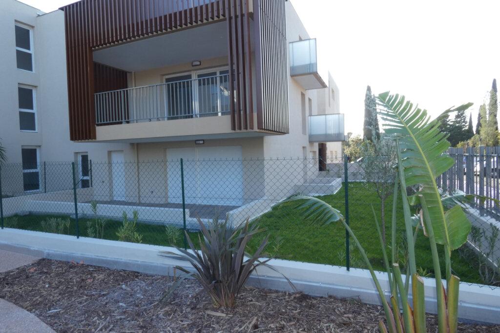 Appartement à louer 3 71m2 à Saint-Raphaël vignette-1
