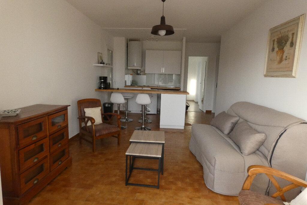 Appartement à louer 2 39.24m2 à Fréjus vignette-1