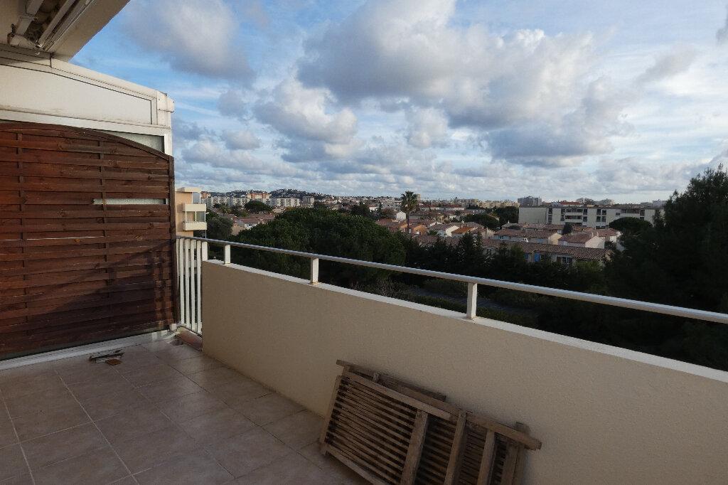 Appartement à louer 2 39.24m2 à Fréjus vignette-2