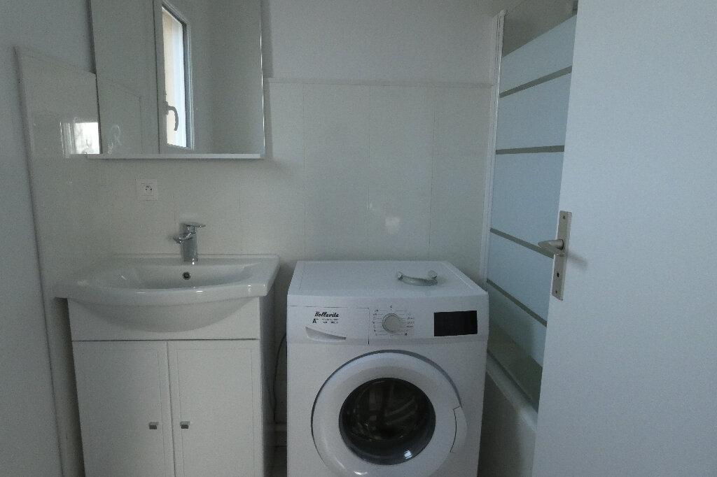 Appartement à louer 2 39.24m2 à Fréjus vignette-6