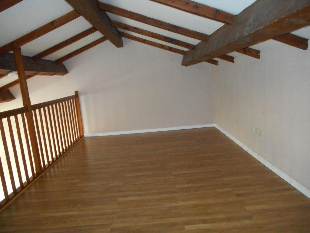 Appartement à louer 2 63.6m2 à Fréjus vignette-4