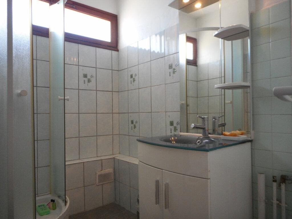 Appartement à louer 1 32.8m2 à Fréjus vignette-4