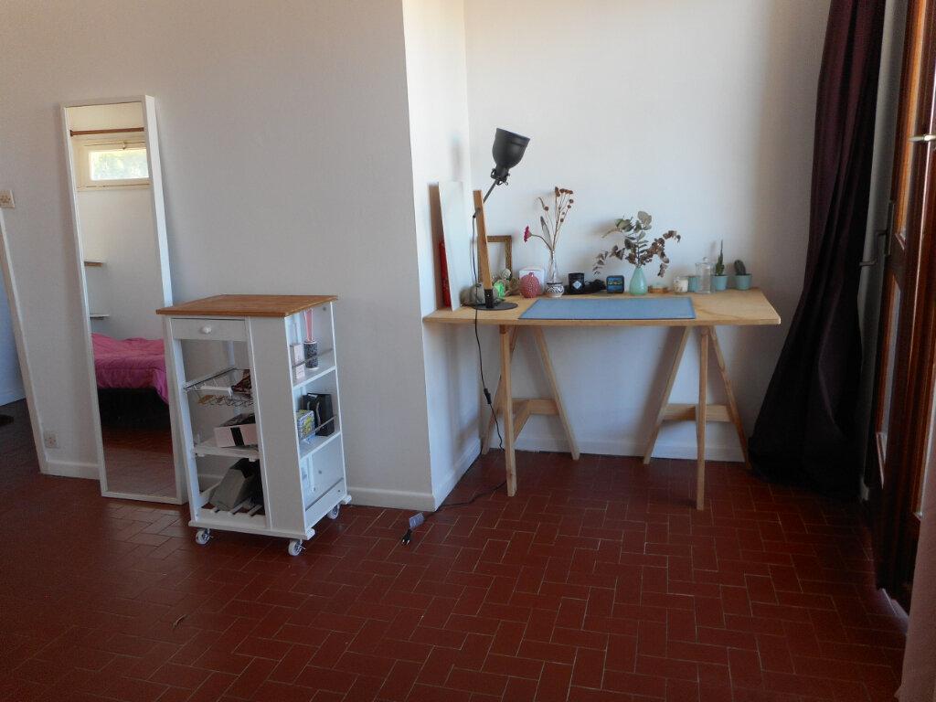 Appartement à louer 1 32.8m2 à Fréjus vignette-6