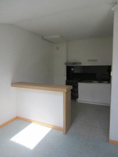Appartement à louer 1 28m2 à Sisteron vignette-2