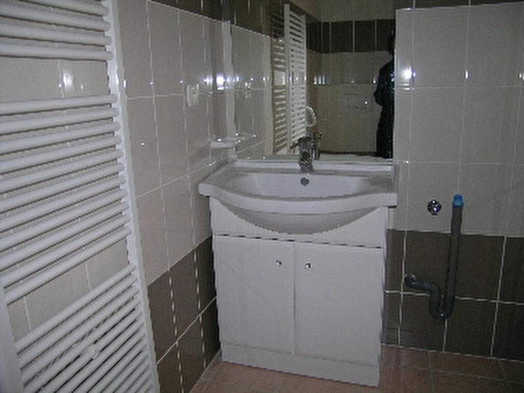Appartement à louer 1 31m2 à Sisteron vignette-2