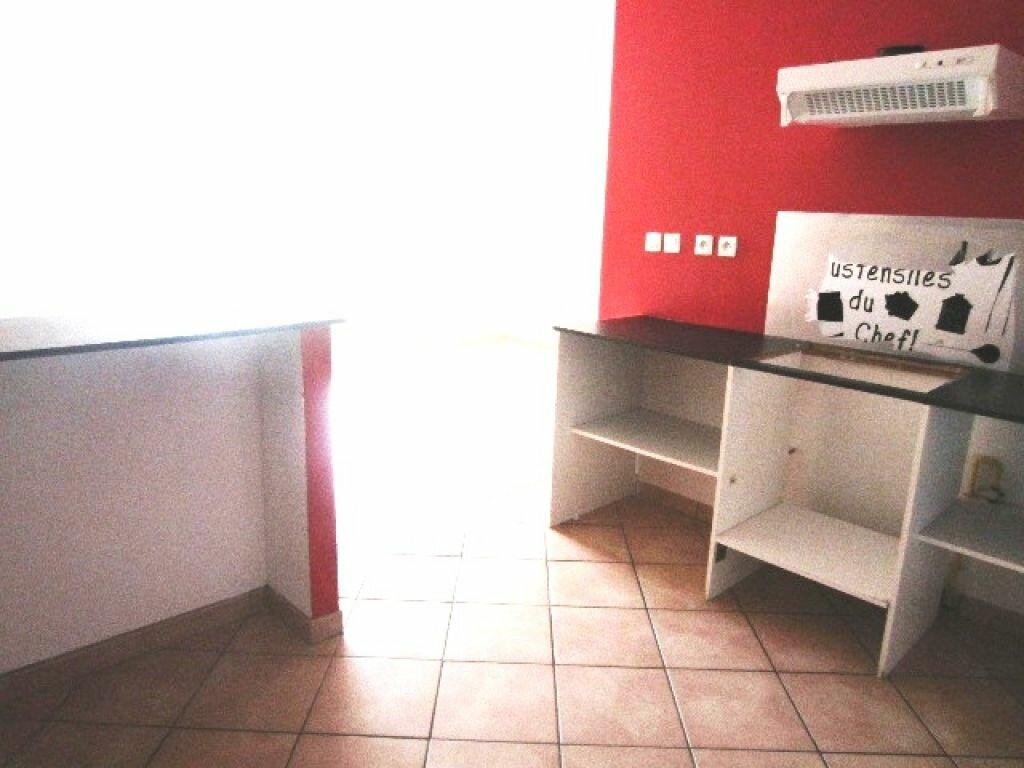 Maison à louer 4 89m2 à Laragne-Montéglin vignette-2