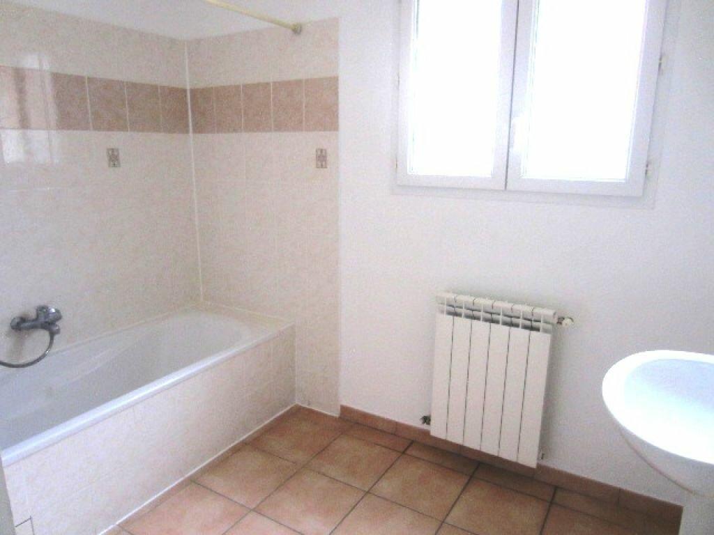 Maison à louer 4 89m2 à Laragne-Montéglin vignette-8