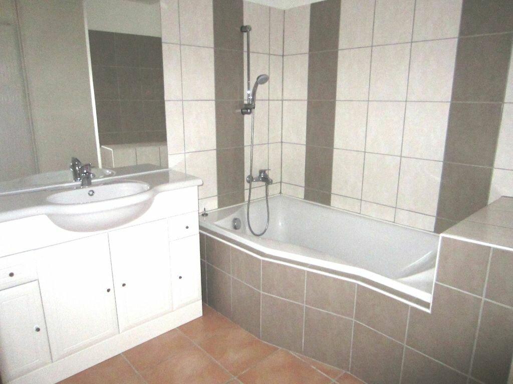 Appartement à louer 2 50m2 à Sisteron vignette-2