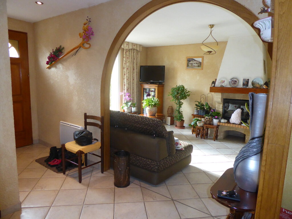 Maison à vendre 4 102m2 à Laragne-Montéglin vignette-1