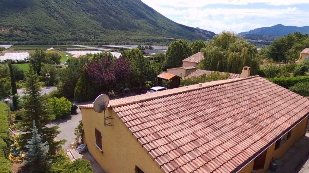 Maison à vendre 4 102m2 à Laragne-Montéglin vignette-7