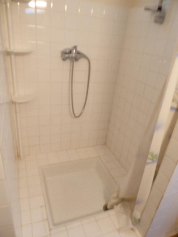 Appartement à louer 1 28m2 à Entrepierres vignette-6