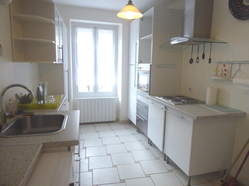Appartement à louer 2 55m2 à Sisteron vignette-1