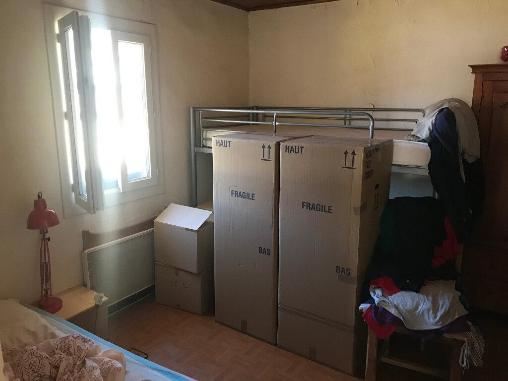 Appartement à louer 2 56.5m2 à Garons vignette-3