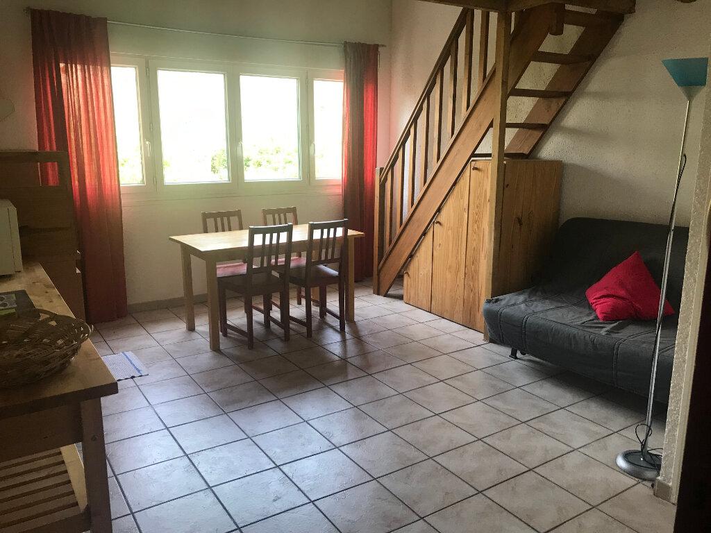 Appartement à louer 2 26m2 à Nîmes vignette-2