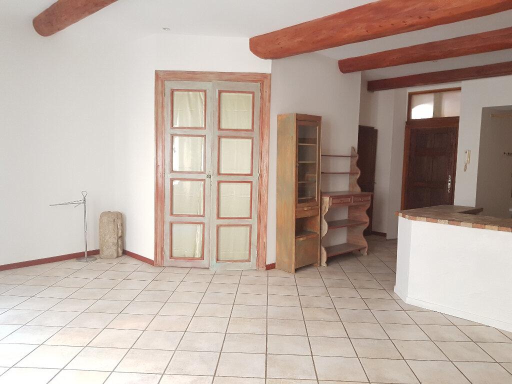 Appartement à louer 2 53.77m2 à Nîmes vignette-2