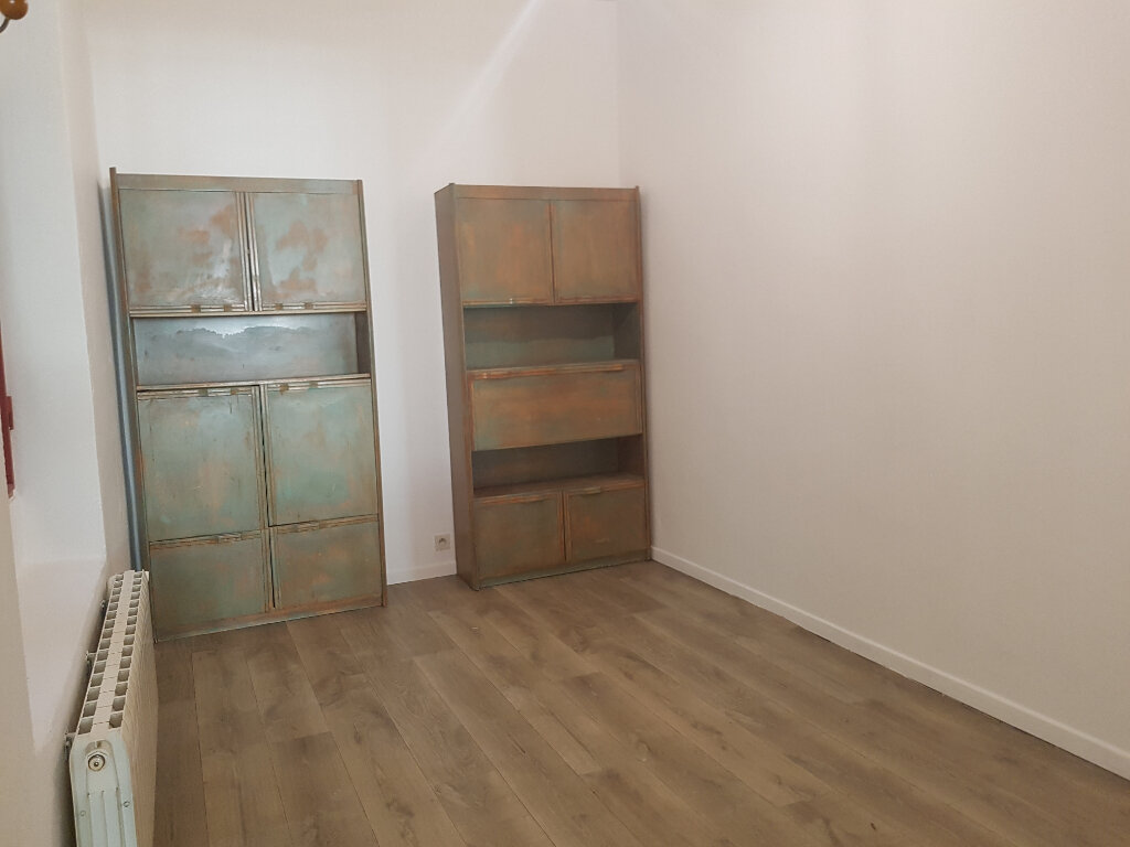 Appartement à louer 2 53.77m2 à Nîmes vignette-6