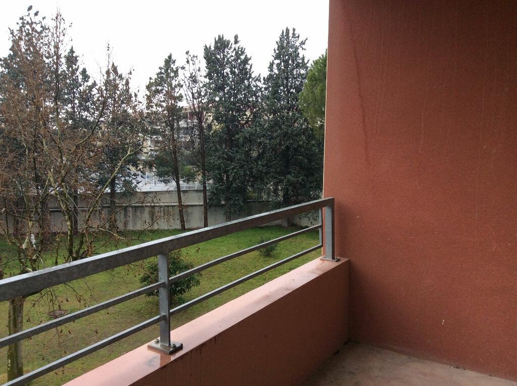 Appartement à louer 2 48.38m2 à Nîmes vignette-1