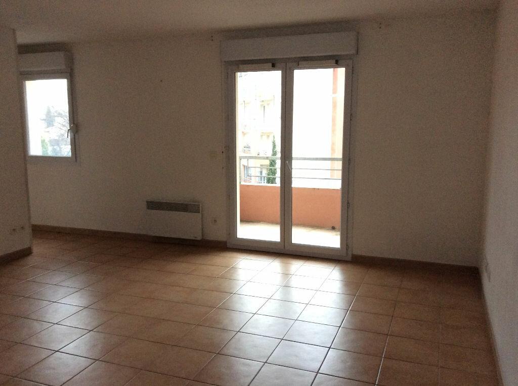 Appartement à louer 2 48.38m2 à Nîmes vignette-2