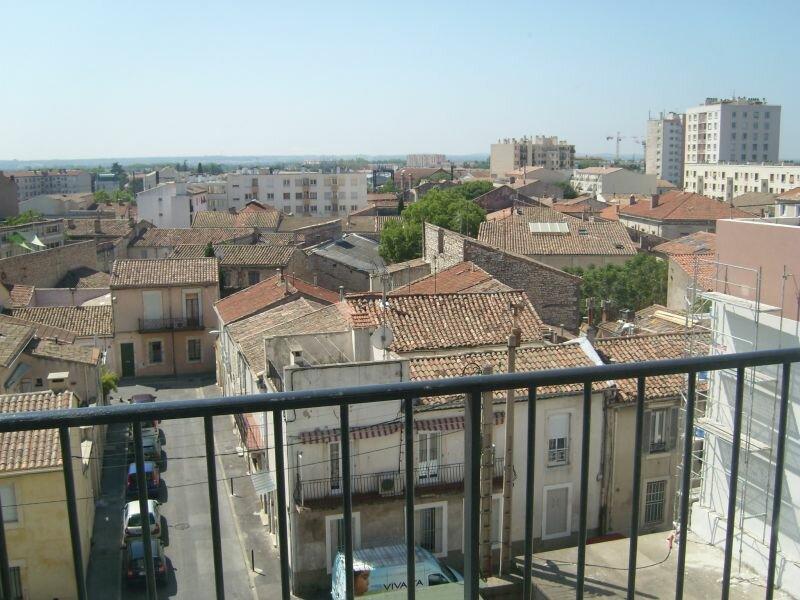 Appartement à louer 3 70.55m2 à Nîmes vignette-1