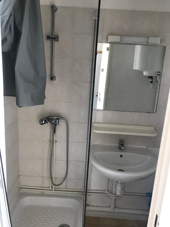 Appartement à louer 1 12.53m2 à Nîmes vignette-5