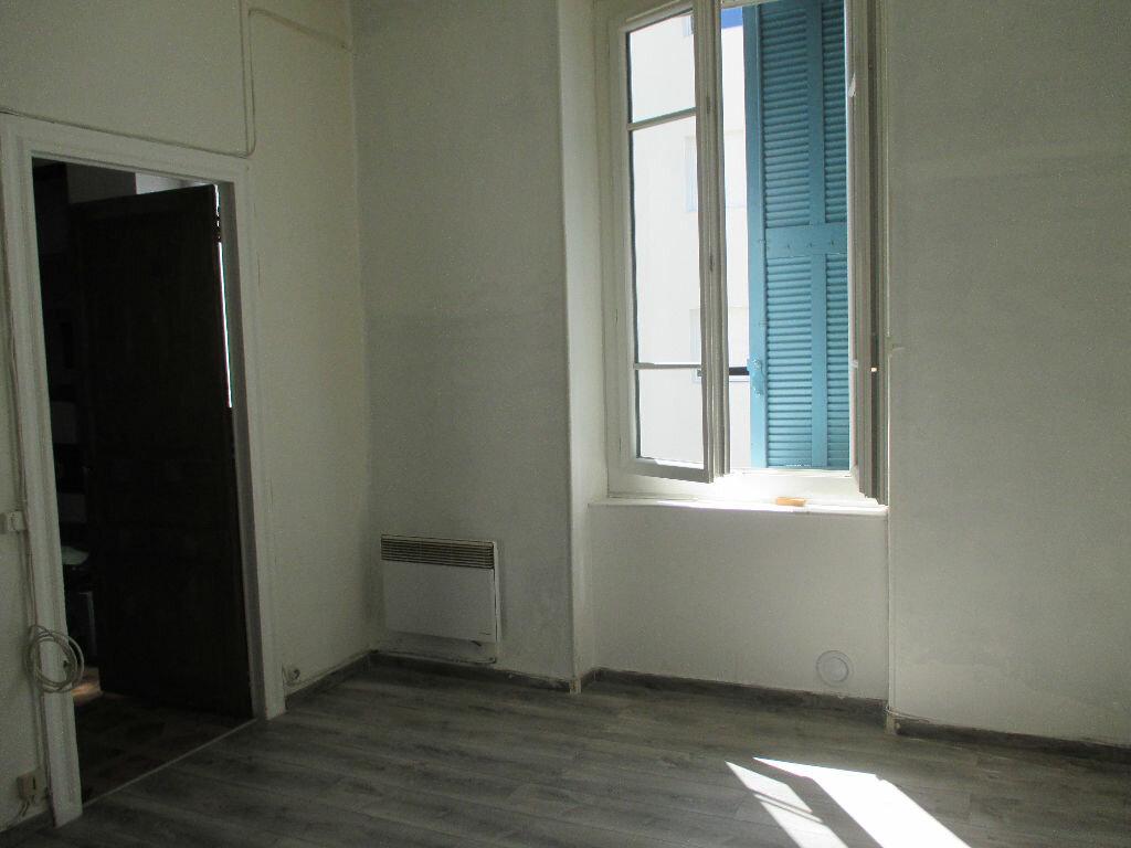 Appartement à louer 2 43.5m2 à Nîmes vignette-4