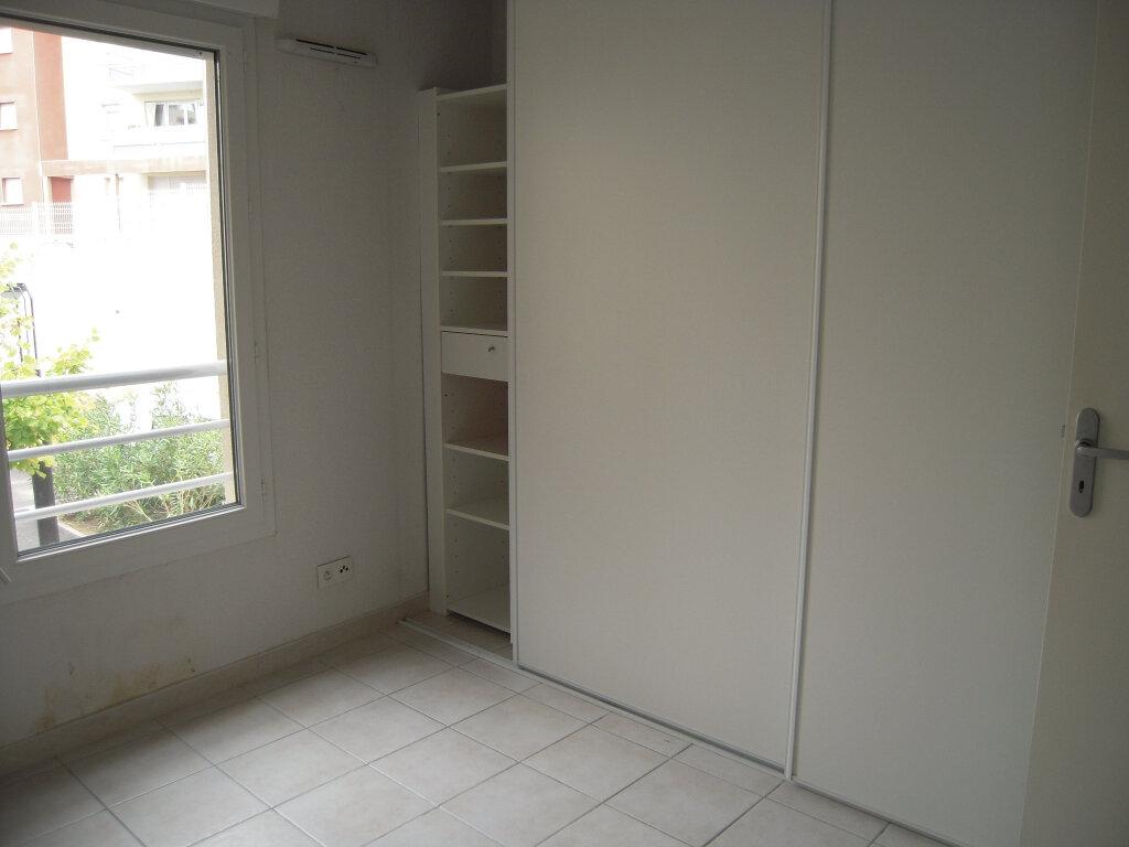 Appartement à louer 2 40.2m2 à Nîmes vignette-3