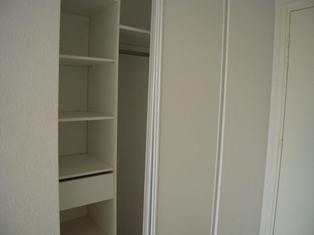 Appartement à louer 2 40.2m2 à Nîmes vignette-4