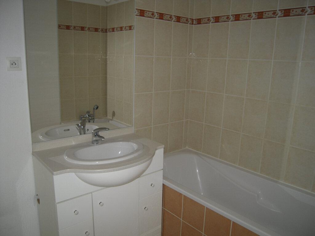 Appartement à louer 2 40.2m2 à Nîmes vignette-5