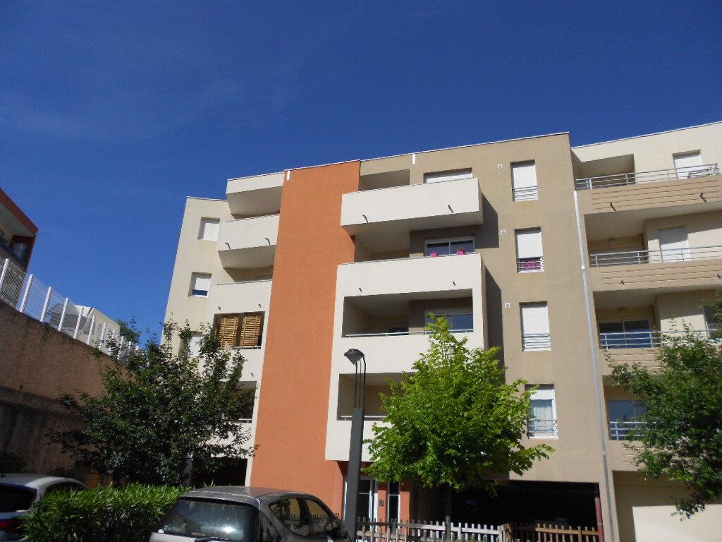 Appartement à louer 2 40.2m2 à Nîmes vignette-6
