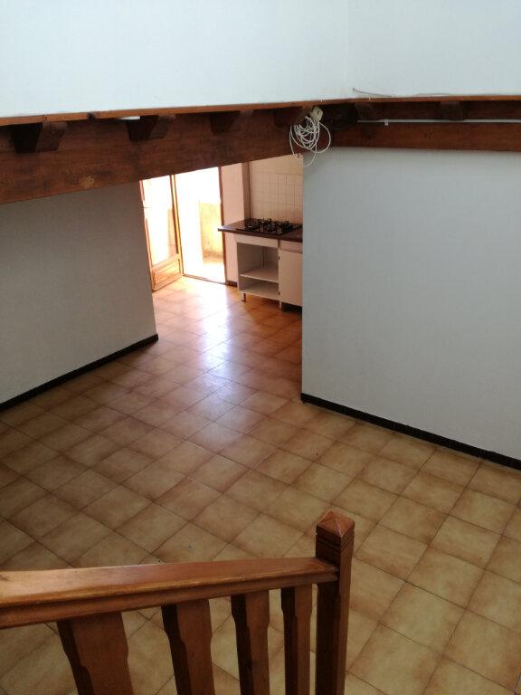 Appartement à louer 2 42.25m2 à Garons vignette-1