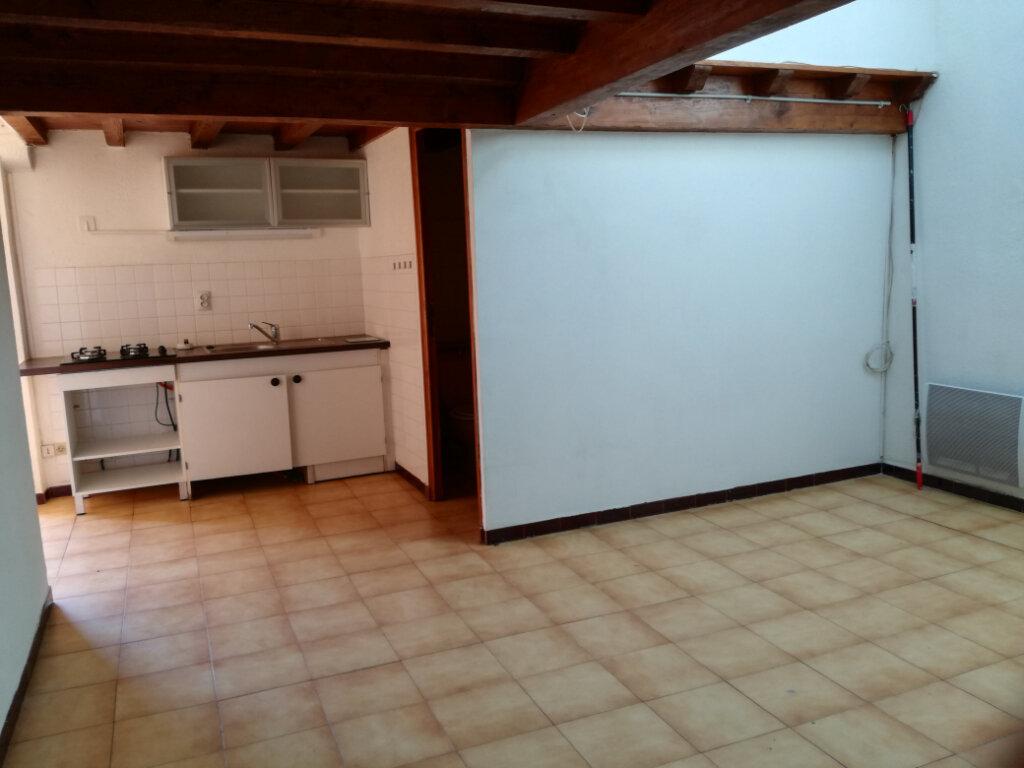 Appartement à louer 2 42.25m2 à Garons vignette-2