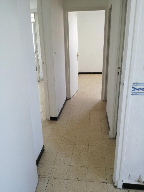 Appartement à louer 3 60m2 à Nîmes vignette-11