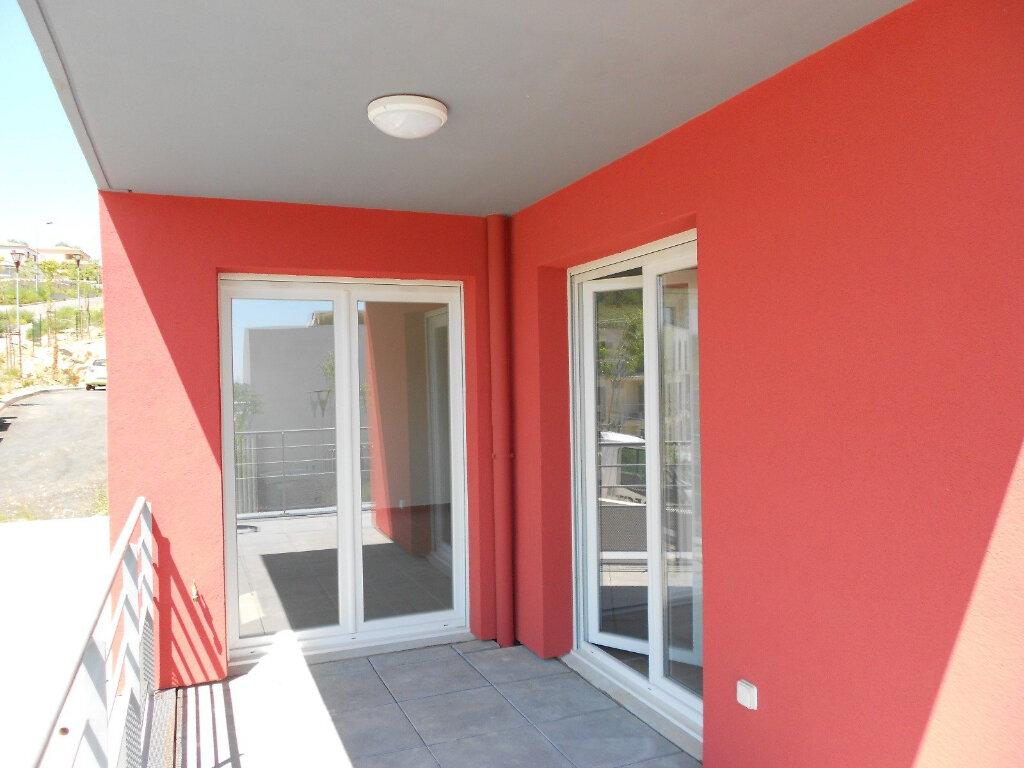 Appartement à louer 3 59m2 à Nîmes vignette-1