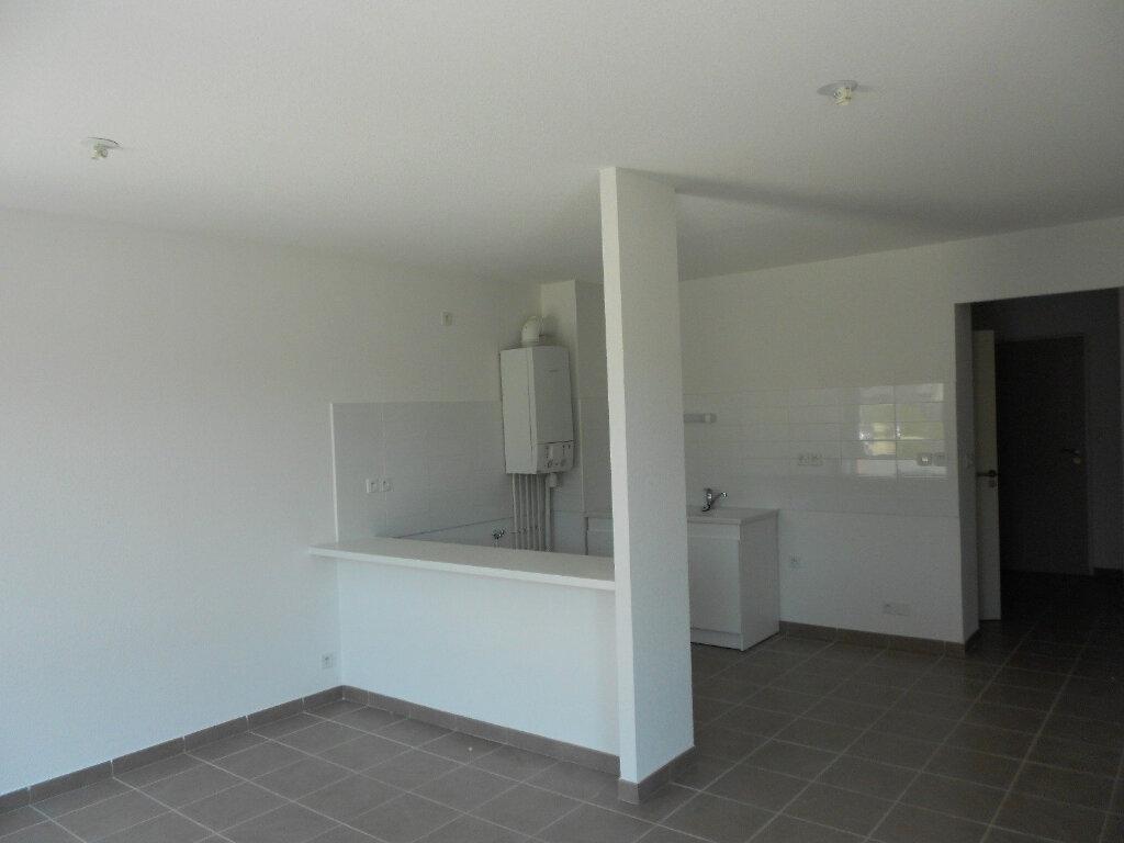Appartement à louer 3 59m2 à Nîmes vignette-2