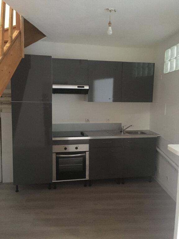 Appartement à louer 4 74m2 à Boucoiran-et-Nozières vignette-1