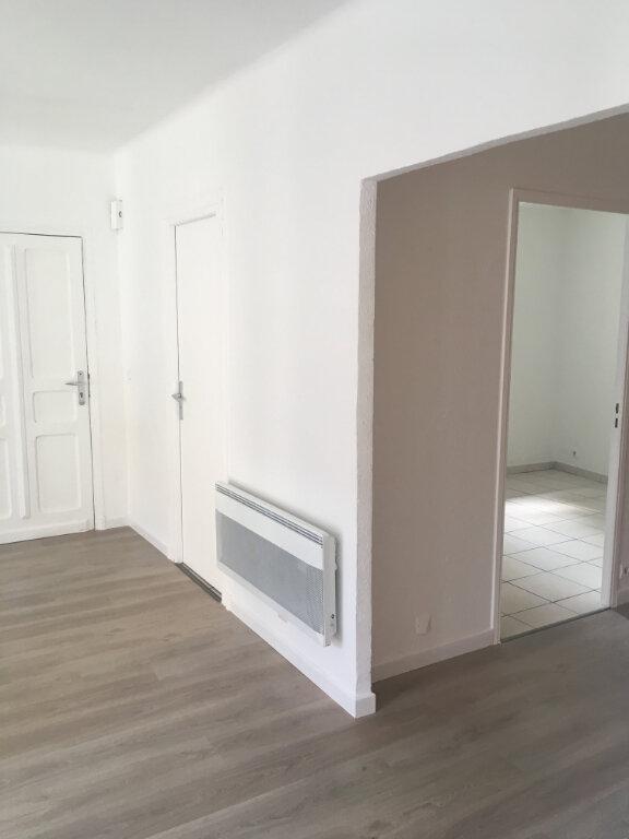 Appartement à louer 4 74m2 à Boucoiran-et-Nozières vignette-3