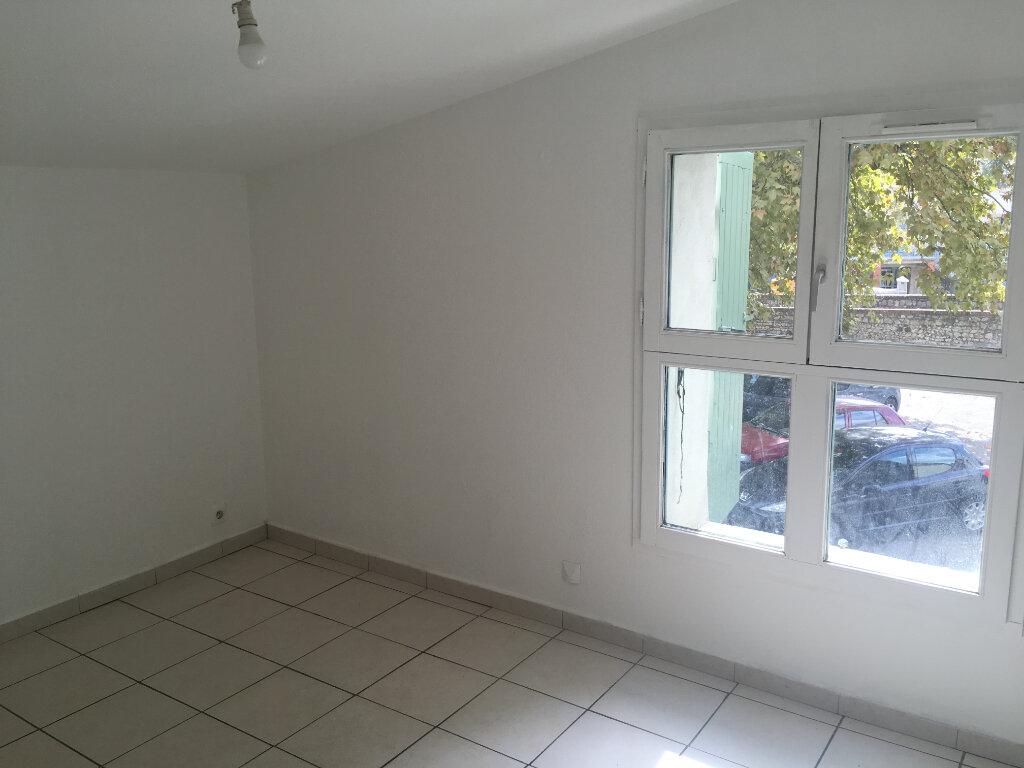 Appartement à louer 4 74m2 à Boucoiran-et-Nozières vignette-7