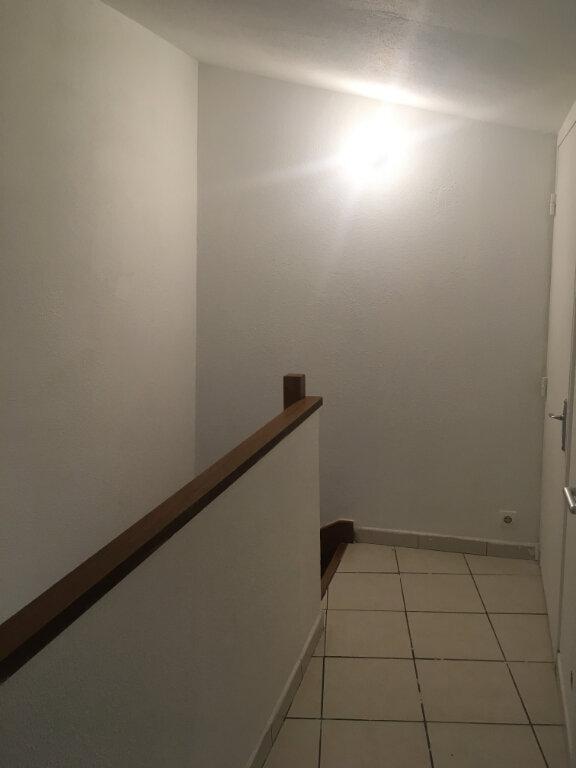 Appartement à louer 4 74m2 à Boucoiran-et-Nozières vignette-9